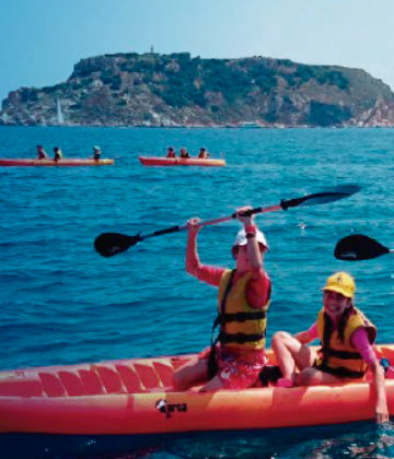 Guided trips by kayak and paddleboard