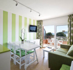 Apartaments Sallés Beach