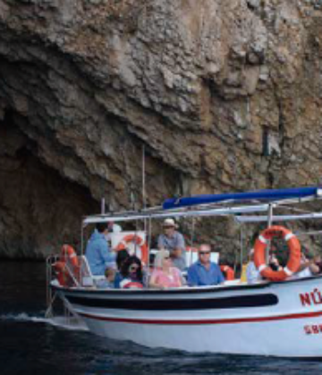 Traditional boat excursion